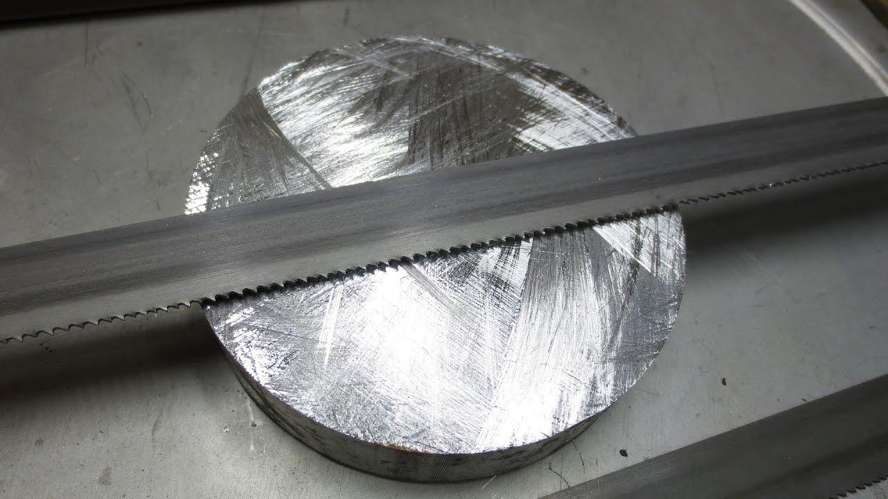 Самодельная гигантская ножовка по металлу — грызёт...
