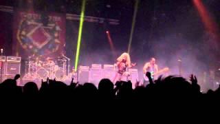 Twisted Sister - The fire still burns (Rockklassiker)
