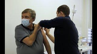 Covid-19 : Jean-Pierre Foucault s'est fait vacciner à Marseille