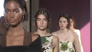 Valentino Haute Couture Fall Winter 2017 Fashion Show
