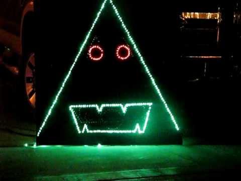 2011 Sleek Family Christmas Light Display - Talking Christmas Tree ...
