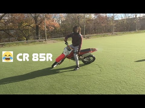 I Rode a cr85 r and Wheelied it!!