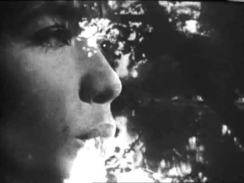 Françoise Hardy   Le temps de l'amour 1966 Par Mitchou