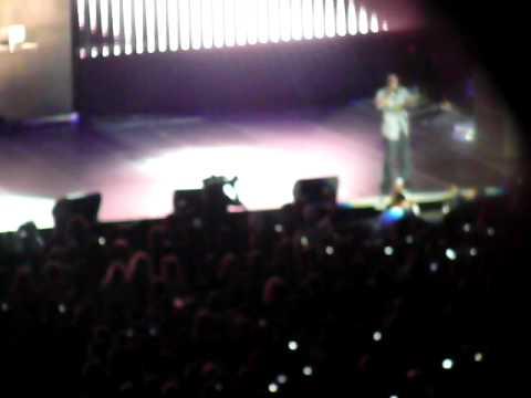 i wanna love you!!Akon singing