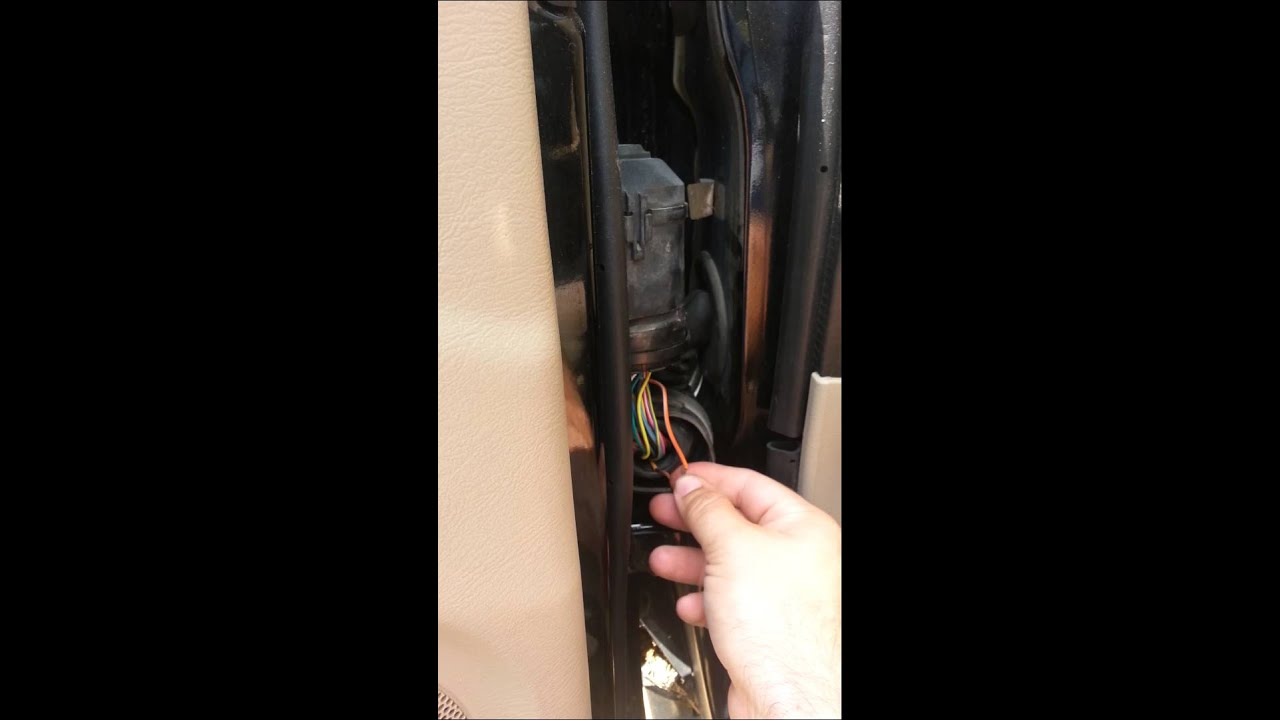 2000 2007 Ford Taurus Driver Window Fix Youtube Wagon Fuse Box