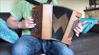 Mon Amant de Saint-Jean, Music: Emile Carrara