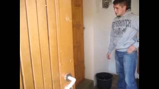 Śmigus-dyngus - Best Polish Tradition - Atak wiadrem z rana w łóżku 2011