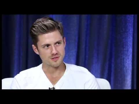 "Show People With Paul Wontorek Interview: ""Graceland"" Star Aaron Tveit"