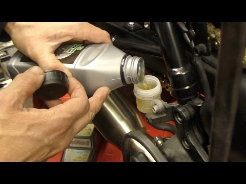 Delboy's Garage, Motorcycle Brake Fluid Change.