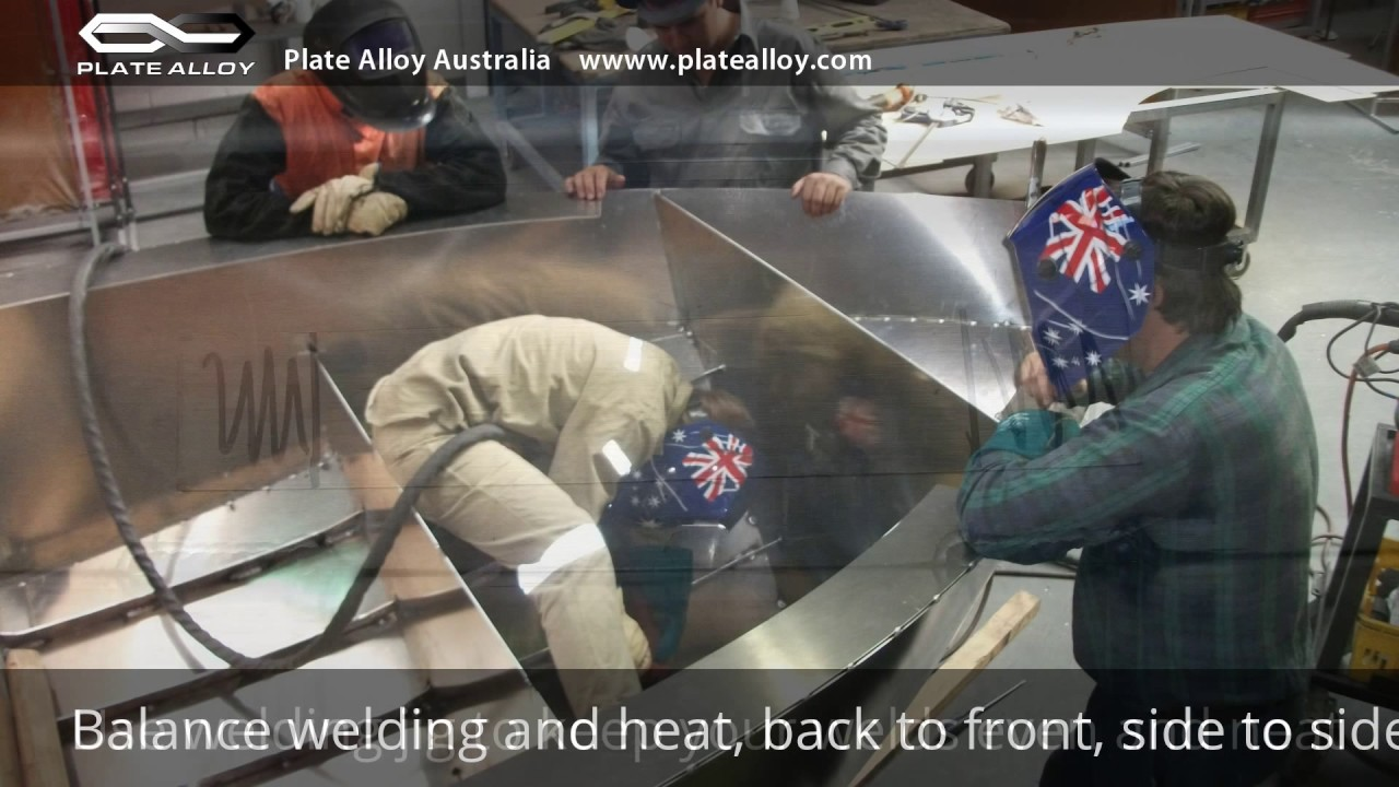 Building a Plate Alloy (Aluminium) Boat - YouTube