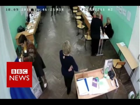 Russia 'voting fraud' caught on camera - BBC News