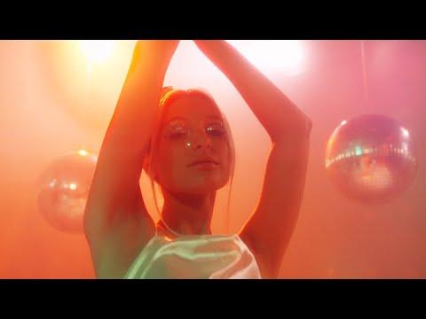 Flashear - Yami Safdie (Videoclip Oficial)