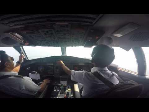 ATR 72-600 Wings Air Waingapu to Denpasar IW 1885