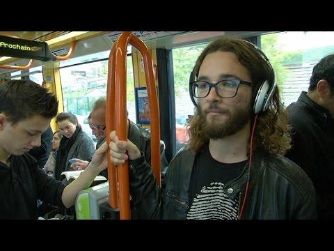 MP3: l'écoute prolongée de musique au casque présente des risques