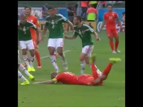 Arjen Robben 'Fall' In Mexico's Penalty Area