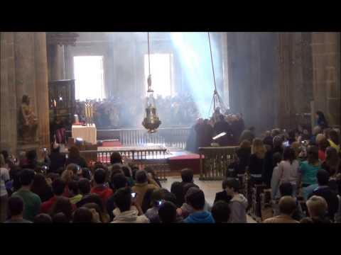 Botafumeiro   Misa de Peregrinos