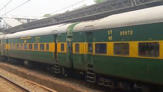 12216 Up Bandra Terminus  Delhi Sarai Rohilla Garib Rath Express