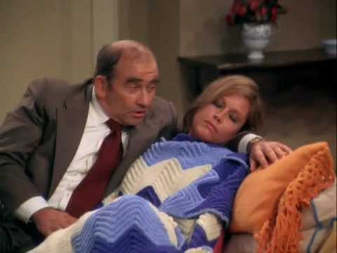 The Mary Tyler Moore Show - Mary's Insomnia (Lou Grant Singing to Mary) -  YouTube