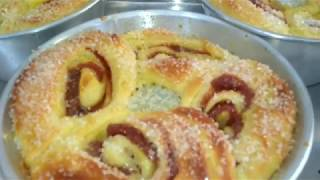 Como Fazer Uma Deliciosa Rosca Recheada com Goiabada