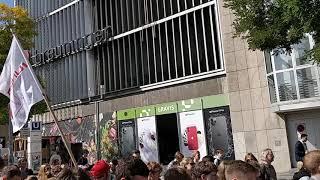 Fröhliche Demo für Klimaschutz in Stuttgart
