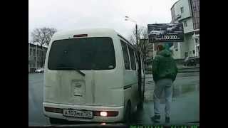Узбек подрезал, не включив поворотника!!!2012