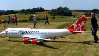 BOEING 747-400 VIRGIN ATLANTIC GIGANTIC RC AIRLINER MODEL JET FLIGHT / Airliner Meeting Airshow 2015 thumbnail