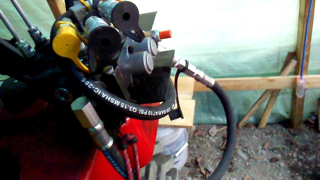 Installin 2 spool hydraulics valves on mi Massey Ferguson GC1710