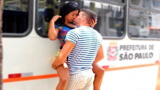 Kissing Prank - BUS STOP EDITION