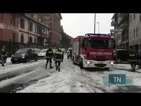 Una super grandinata colpisce Pavia e ricopre le strade di ghiaccio