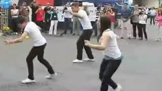 Best dance with Gujarati songs pe