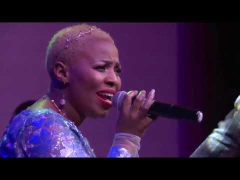 Ndo Dlakadla performs Ngizokudumisa Live ft Bheka Mthethwa