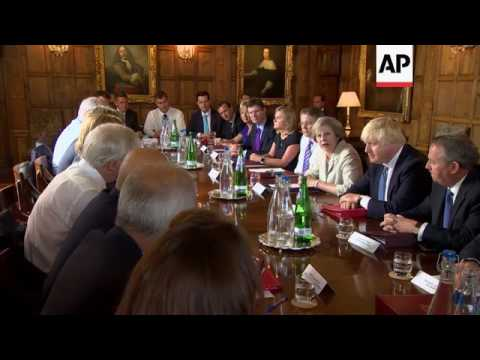 UK PM chairs Cabinet session to discuss Brexit