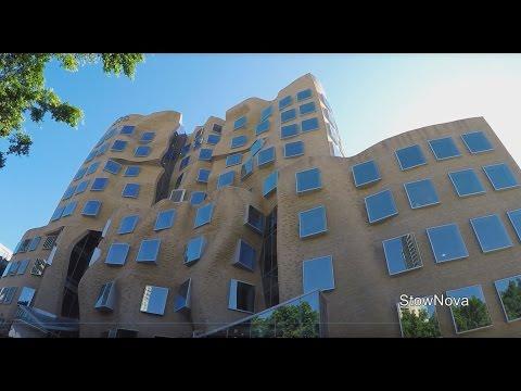 Walk Around - Frank Gehry Building - Sydney (using Feiyu -Tech G4S steadicam)
