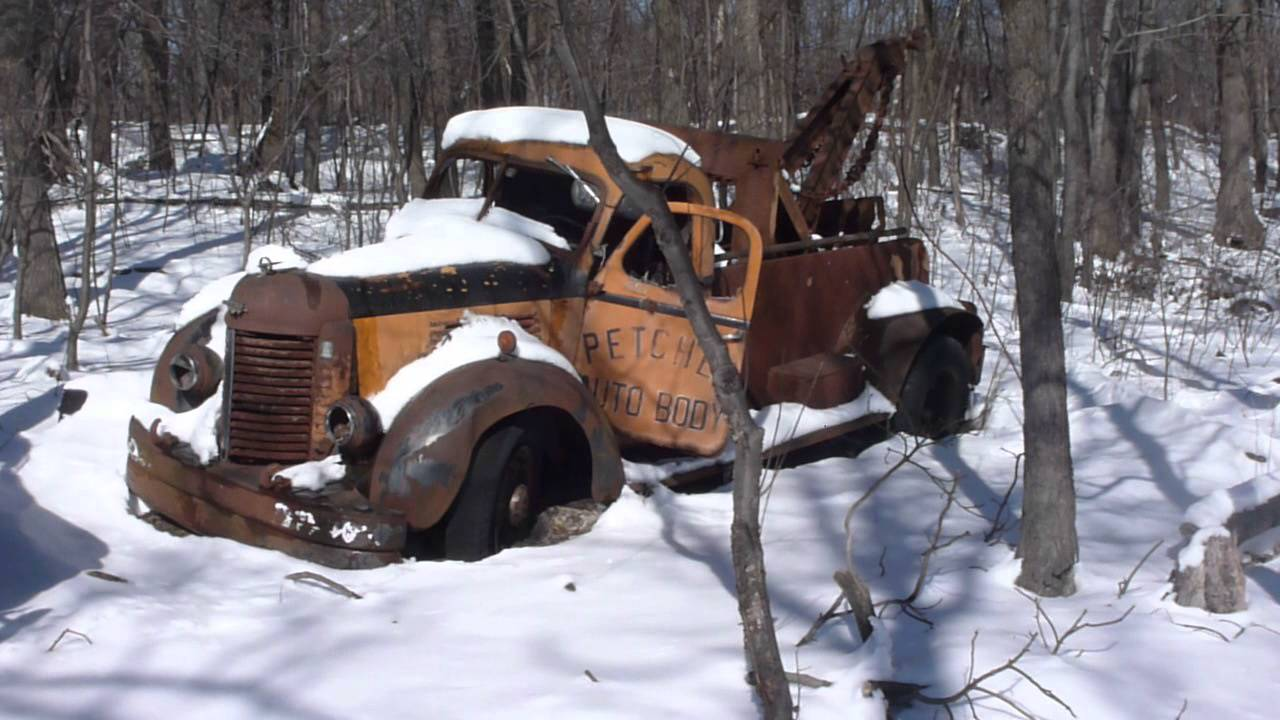 Old Time Rusty Trucks @ Entrance of Harrys U Pull It in Hazleton ...