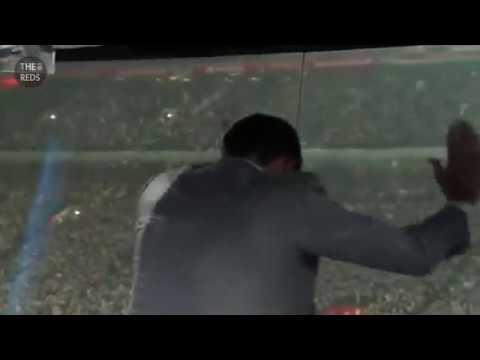 Steven Gerrard celebrate Wijnaldum goal vs Chelsea