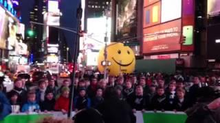 St. Thomas Boys Choir, the Leipzig boys choir, in Times Square -- 11/12/13