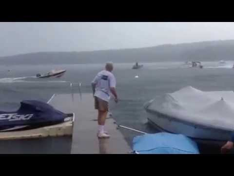 Out Of Control Boat On Lake Wallenpaupack!