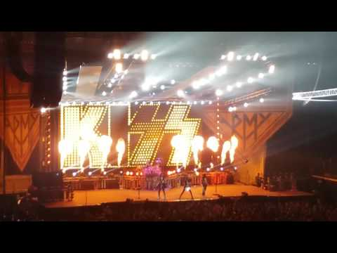 """Intro & Detroit Rock City"" - KISS - Live Dayton, OH 8/22/2016"