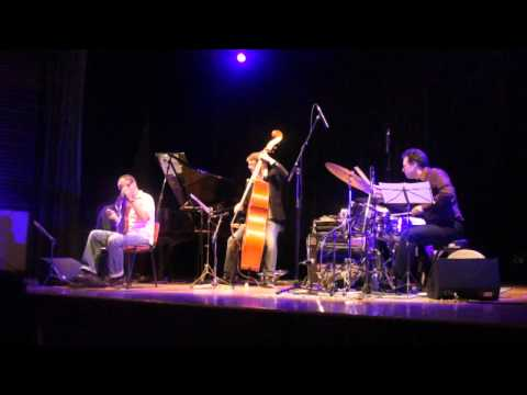 Rembrandt Frerichs Trio with Kheireddine M'Kachiche in Algiers: Bahdja