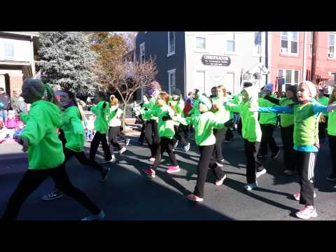 Jonestown Dance in Lebanon Holiday Parade