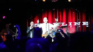 Tony Visconti, Woody Woodmansey, Holy Holy and the audience at the Highline Ballroom singing Happy Birthday to David Bowie, via voice mail, on January 8th, 2016.