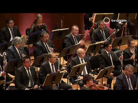Tamara Stefanovich plays Gershwin Concerto in F with OFUNAM Orchestra, Mexico City, 1. October 2017.