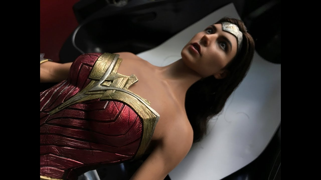 Hot images of wonder woman — 2
