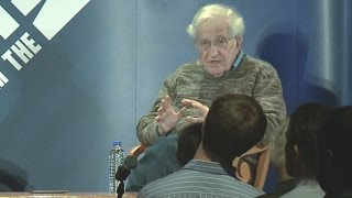 Noam Chomsky: Bernie Sanders Not a Radical, He Has Mass Support for Positions on Healthcare & Taxes