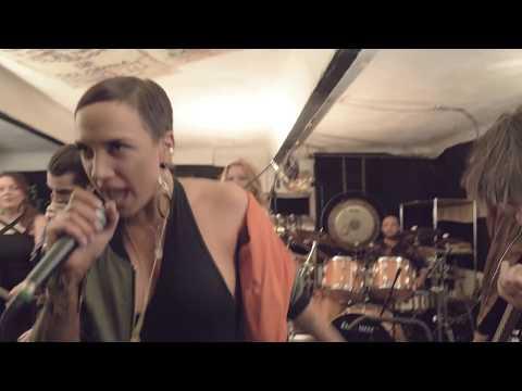 TÓTH GABI (TG project & Freddie Shuman) - Szív Szív [OFFICIAL MUSIC VIDEO] mp3 letöltés