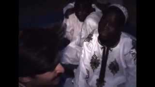 Hayatında İlk Kez Beyaz Müslüman Gören Afrikalı