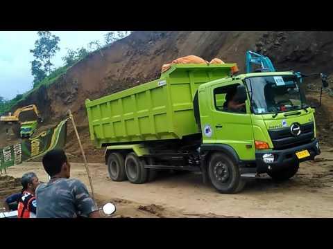 GREAT BIG .. Trucks Transports of earth material # TOL PEMALANG - BATANG ROAD