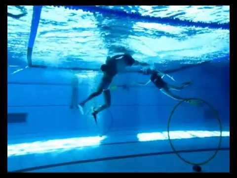 Follando bajo el agua for Pillados follando en la piscina