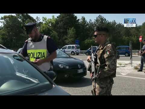 Trieste, sparatoria davanti alla Questura. Morti due agenti