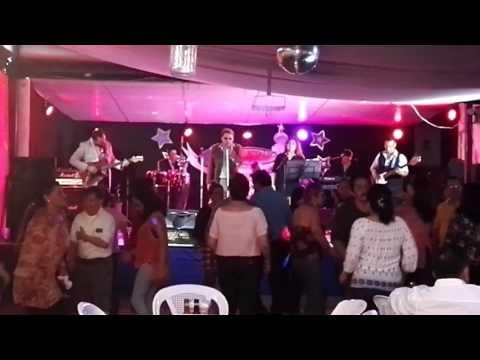 Edwin Cottocajón con LP Music Band en Sombrero Azul.